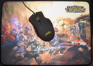 Razer Naga HEX League of Legends Edition and the Razer Goliathus mouse pad