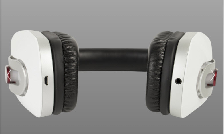 Turtle Beach i30 wireless headset